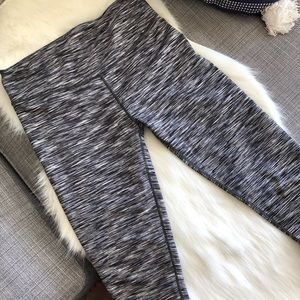 Fabletics Gray Cropped Leggings Small